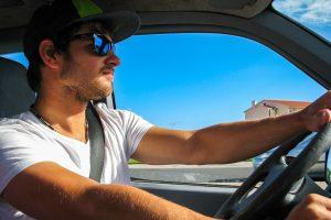 Jaké doklady musí mít řidič neustále u sebe?
