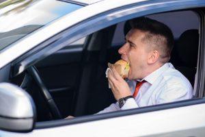 Při delší cestě nezapomeňte pravidelně jíst!