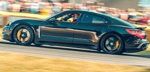 Porsche Taycan je nejrychlejší elektromobil na světě!